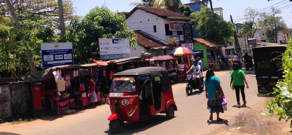tuk-tuk-sri-lanka-tuktuk-threewheeler